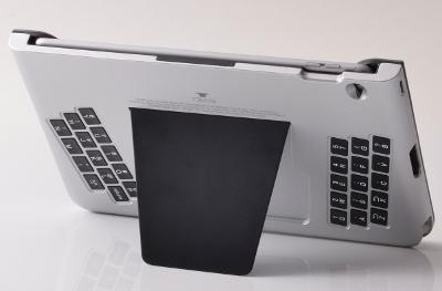 背面入力Bluetoothキーボード「T-BLADE(ティーブレイド)」